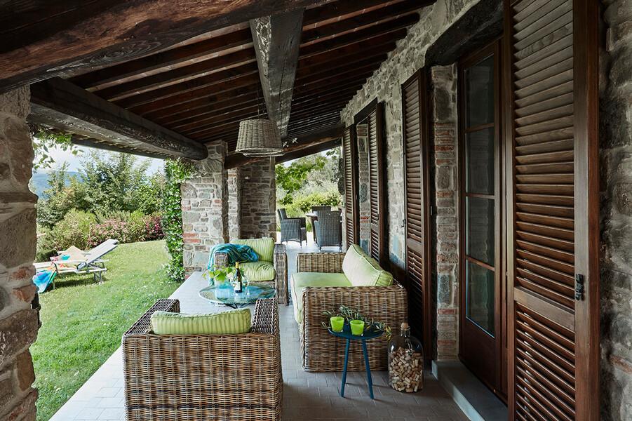 Überdachte Terrasse im Ferienhaus Casa il Sogno im Umbrien