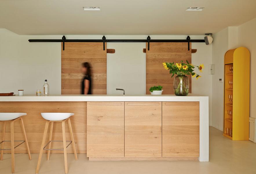 Moderne Design Küche im Ferienhaus Ca Mattei in den Marken
