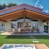 villa-sissi-external-view-and-jacuzzi