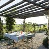 Tisch zum Essen im Freien im Ferienhaus Cascina Monferrato