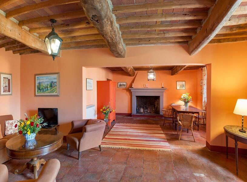 Die Kombination aus altem Holz, Fliesen und modernen Farben bildet einen schönen Kontrast im Le Casine