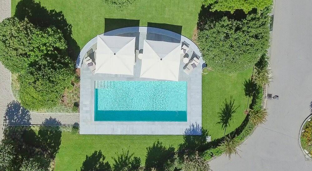 Privater Pool der Villa Orsi in Cannero am Lago Maggiore