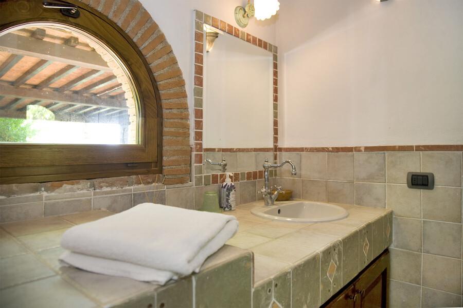 Das Badezimmer im Erdgeschoss von La Capinera