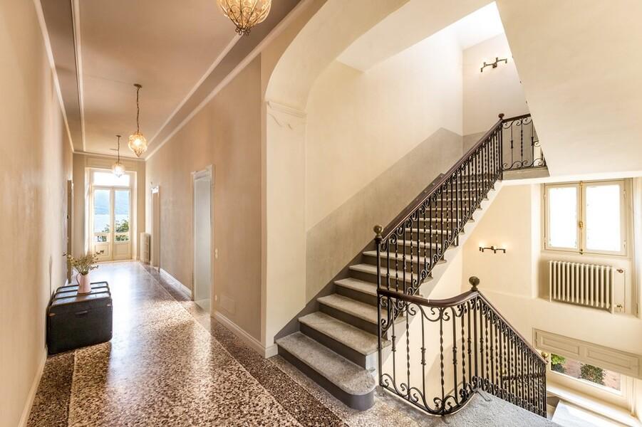 Villa Orsi Treppe