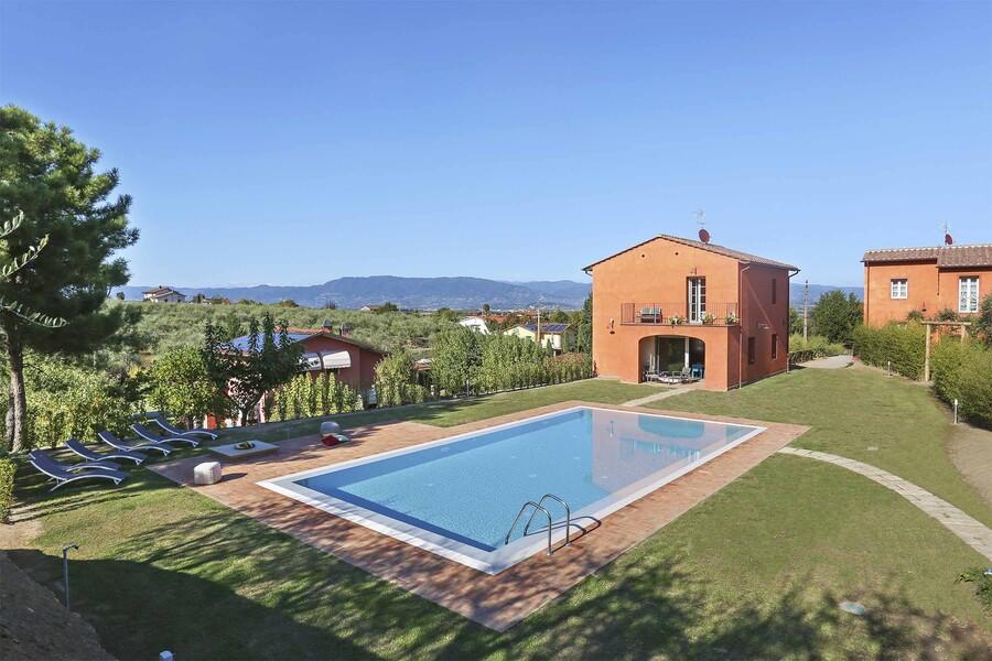 Ferienhaus Uva bei Lucca mit Garten und privatem Pool
