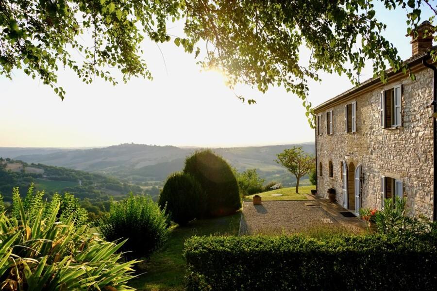 Alleinstehendes Steinhaus Ca Mattei in den Marken in Italien