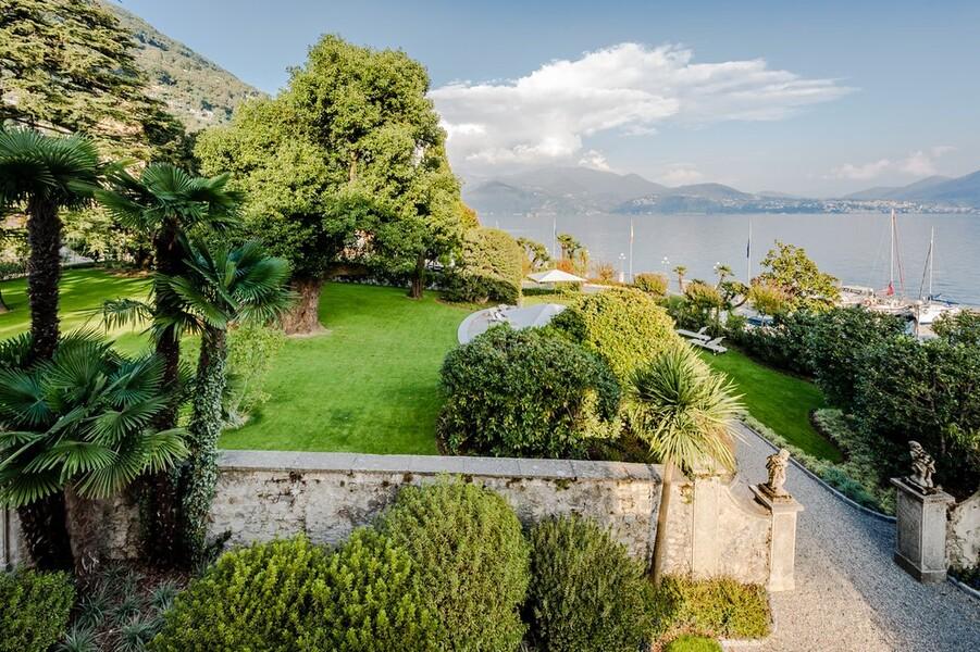 Villa Orsi direkt am Ufer des Lago Maggiore in Cannero