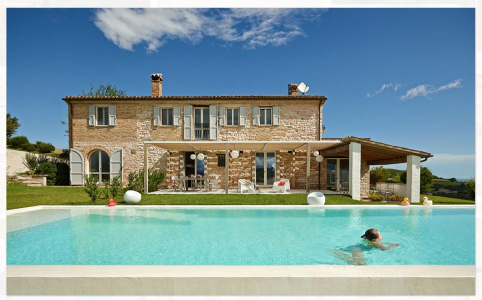 Pool zur Alleinnutzung im Ferienhaus Ca Mattei in den Marken