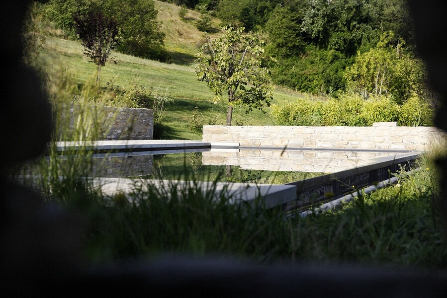 Heated pool in the villa Casa Roccaverano in Piedmont