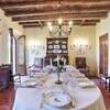 Elegantes Esszimmer in der Villa i Broi am Gardasee