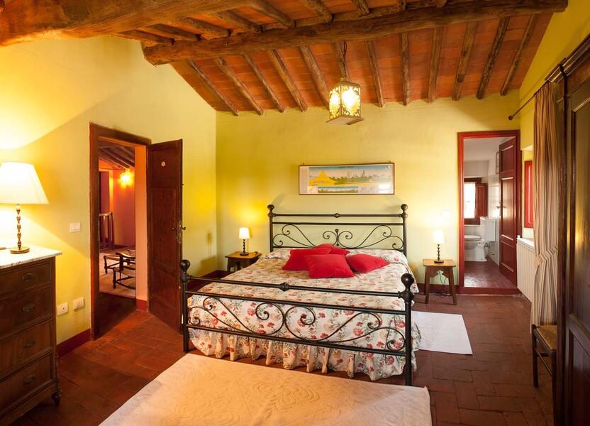 Die Schlafzimmer im Le Casine sind jeweils mit einem schönen Bad ausgestattet
