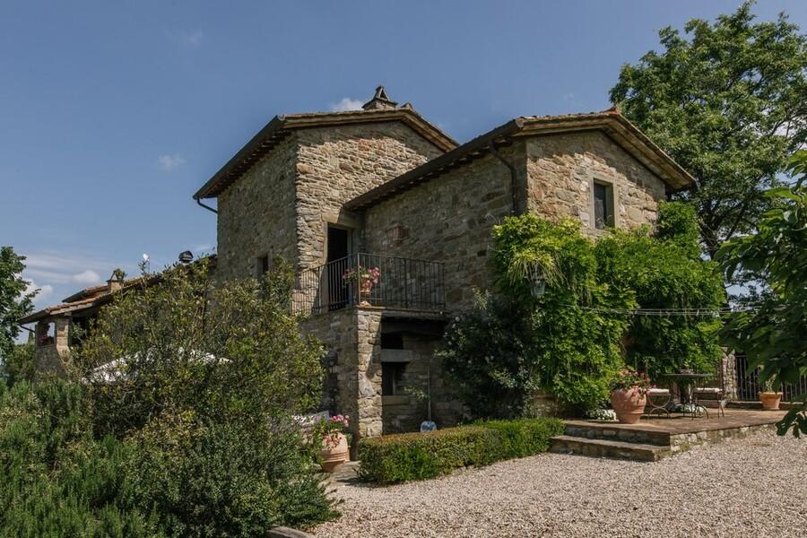 Steinhaus in Italien mit Garten